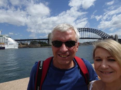 selfie-with-bridge