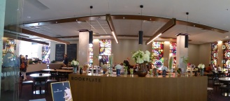 lyn library cafe