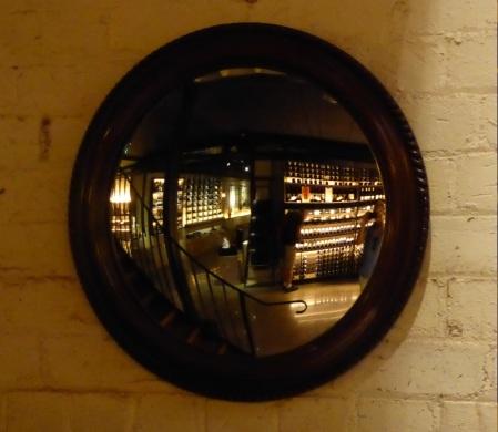 lyn wine shop1