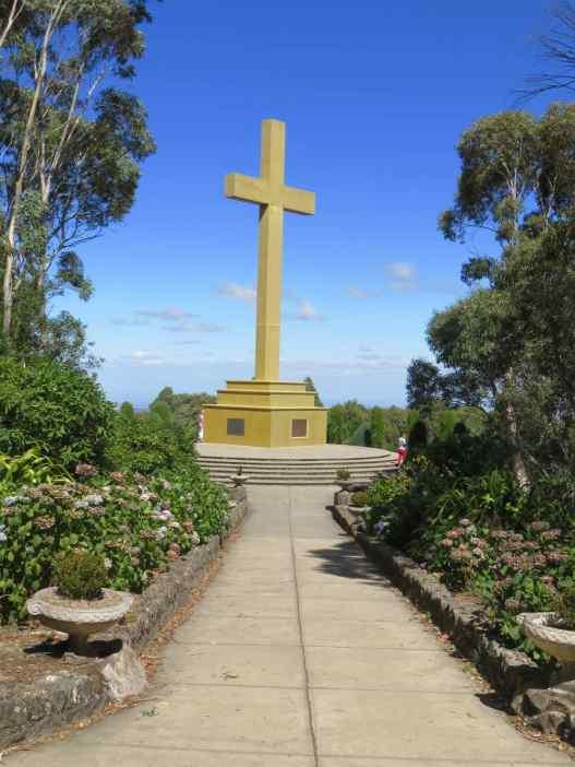 Memoril Cross 1